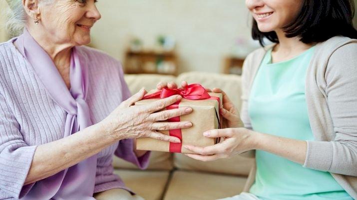 सीनियर सिटिजन ऐक्ट में बदली परिभाषा, बेटे ही नहीं, बहू-दामाद पर भी बुजुर्गों की देखभाल की जिम्मेदारी