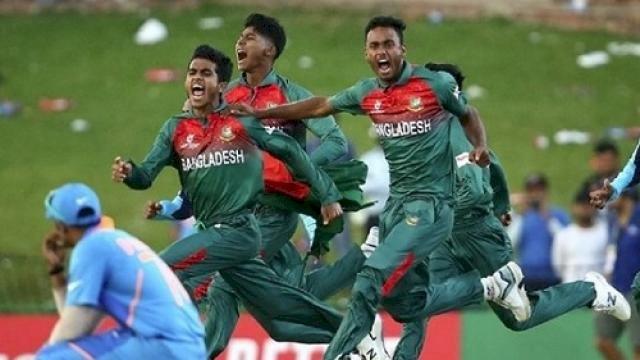 फाइनल मैच के बाद हुए झगड़े के बाद तीन बांग्लादेशी और दो भारतीय खिलाड़ियों को आईसीसी ने सुनाई कड़ी सजा